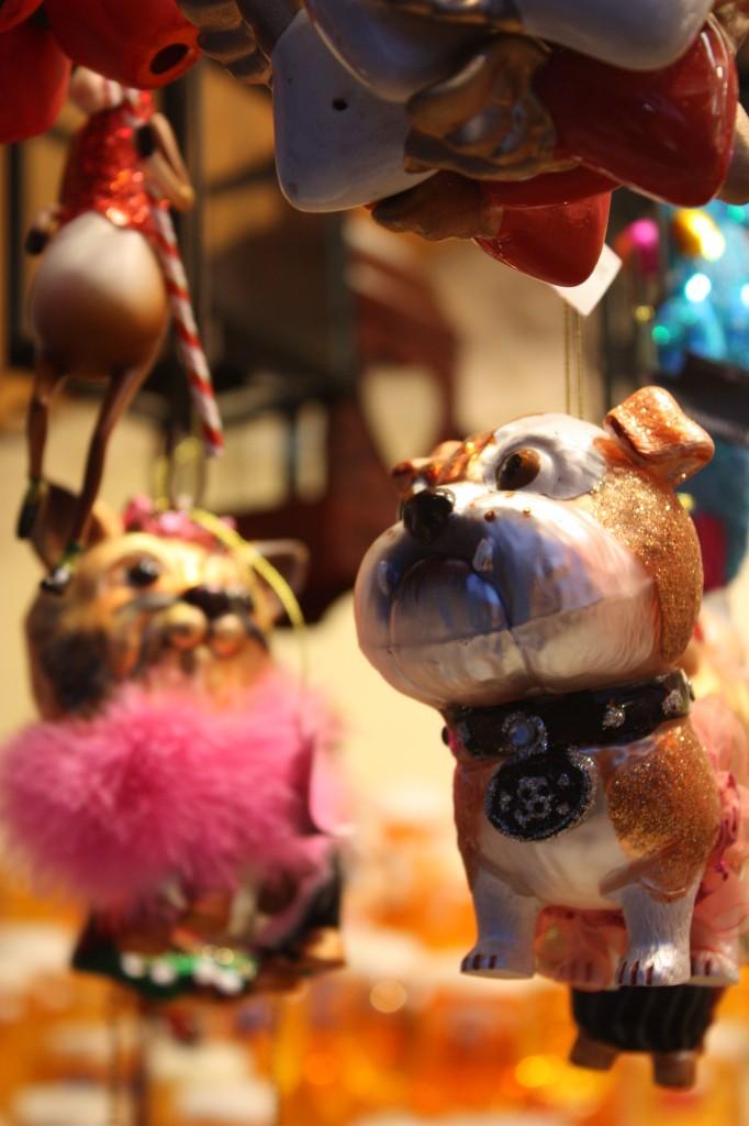 Рождественские шары Собака
