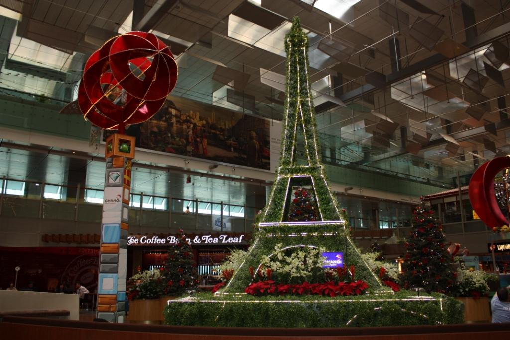Аэропорт в Сингапуре-Эйфелева башня