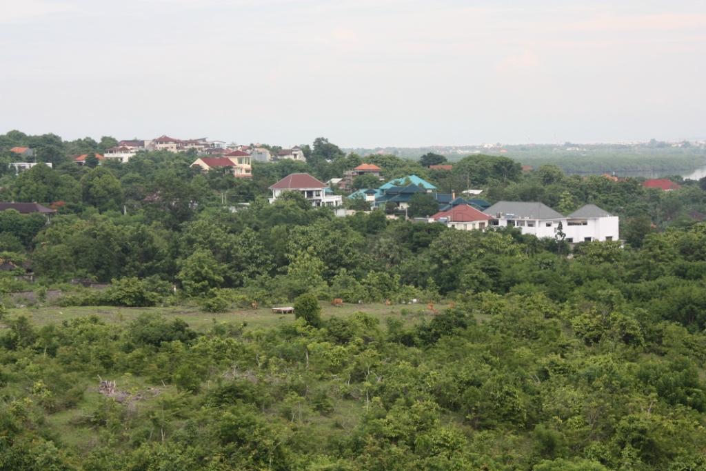 Вид из отеля Свисс Бельотель Бей Вью