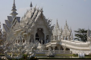 Белоснежный храм в Тайланде Ват Ронг Кхун