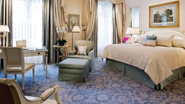 номер делюкс отель Георг V Париж