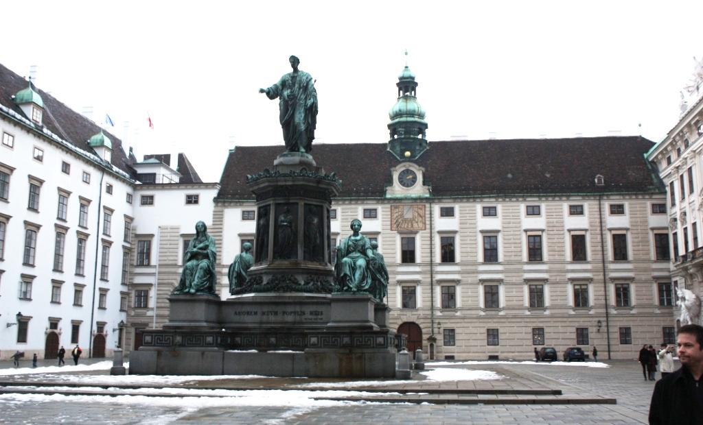 Памятник императору Францу II в Ин дер Бурге Хофбург