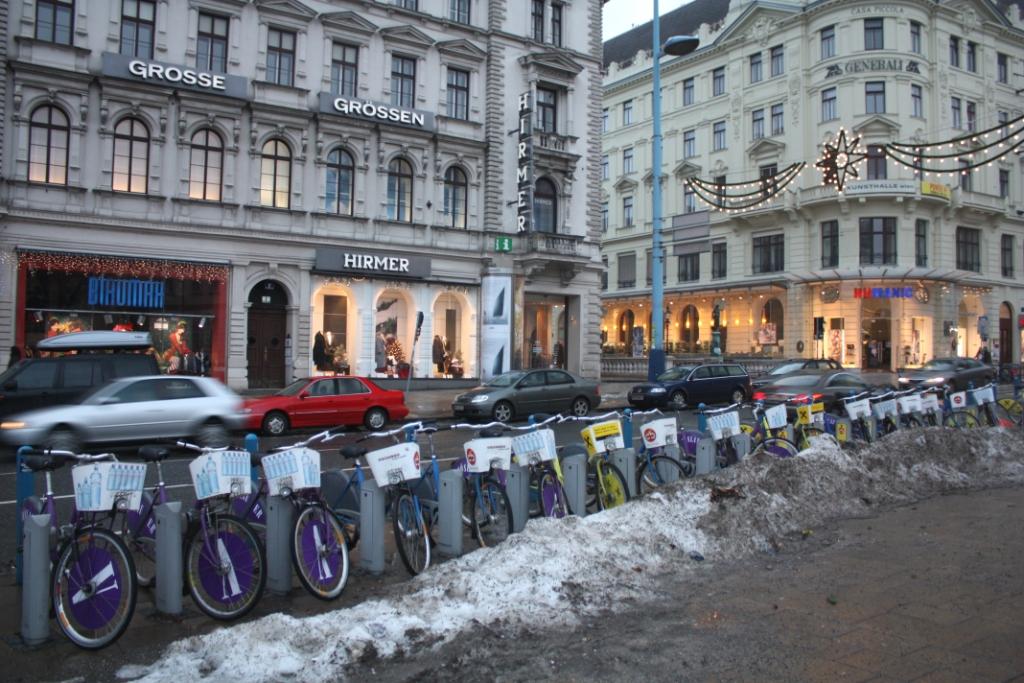 Парковка велосипедов в Вене
