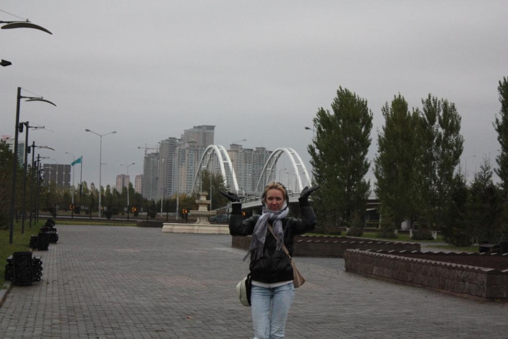 Мост-через-реку-в-Астане