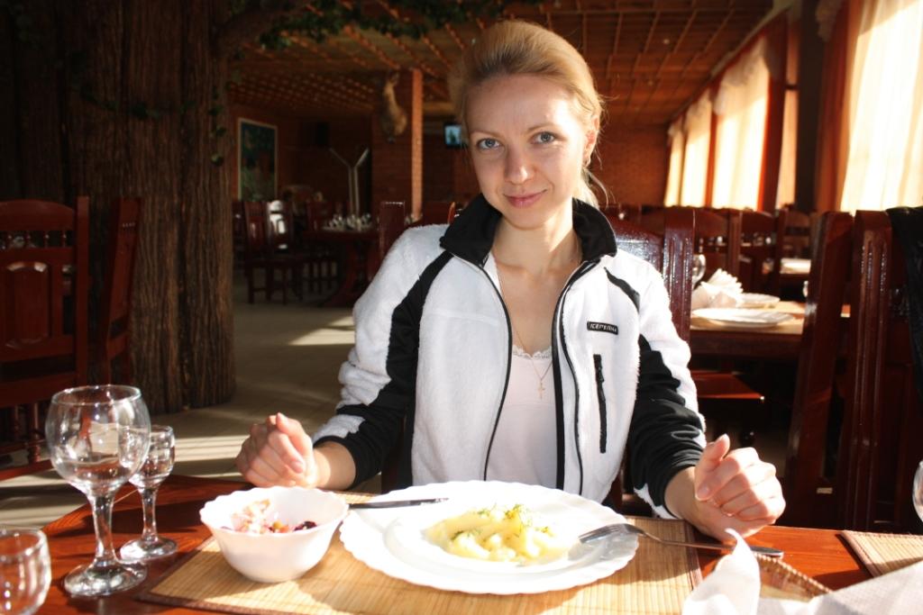 Анна-Романова-Придорожное-кафе