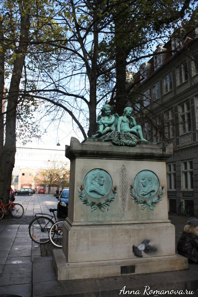 Памятник ангелы в Копенгагене