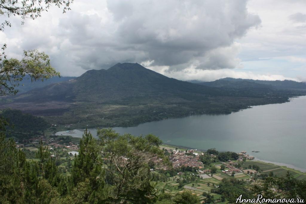 Вулкан и озеро Батур Бали
