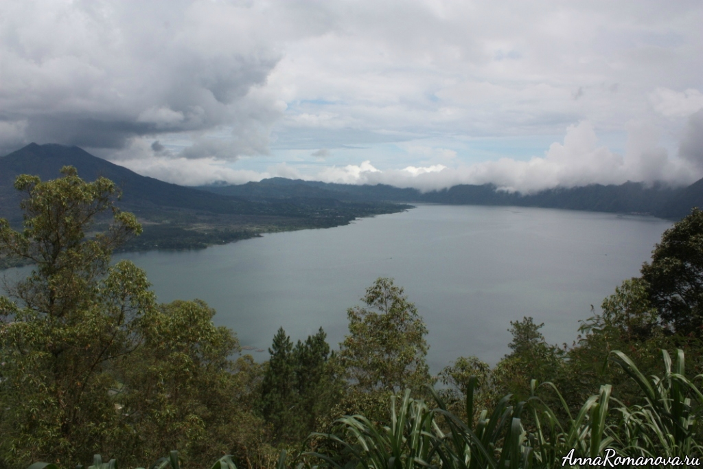 озеро  Батур на Бали