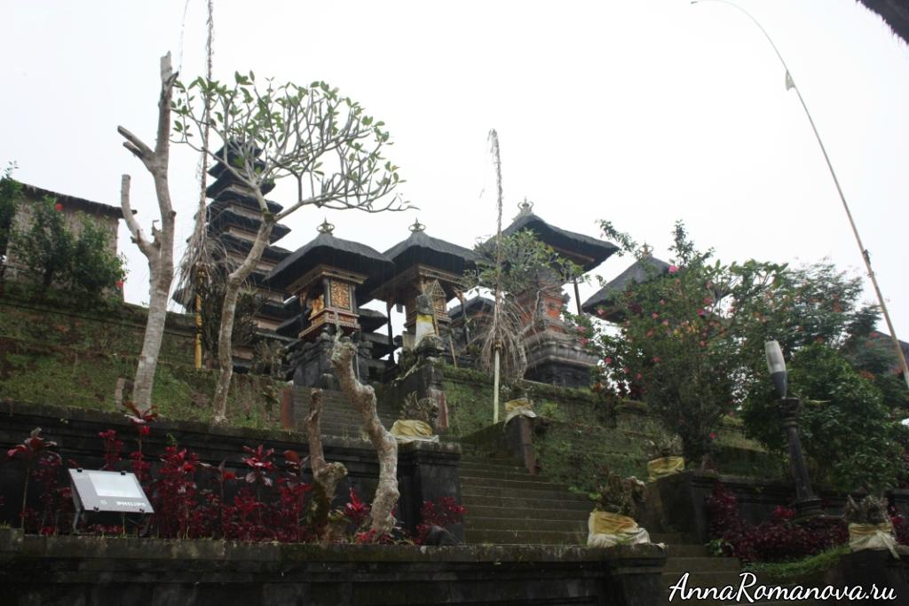 пура бесаких на Бали