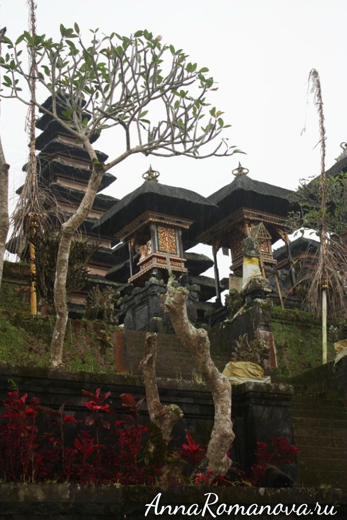 Храмовый комплекс Пура Бесаких на Бали