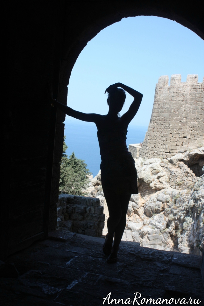 Вход в Акрополь в Линдосе