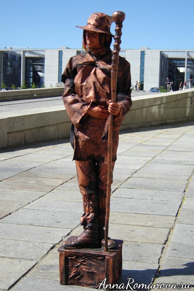 артисты статуи