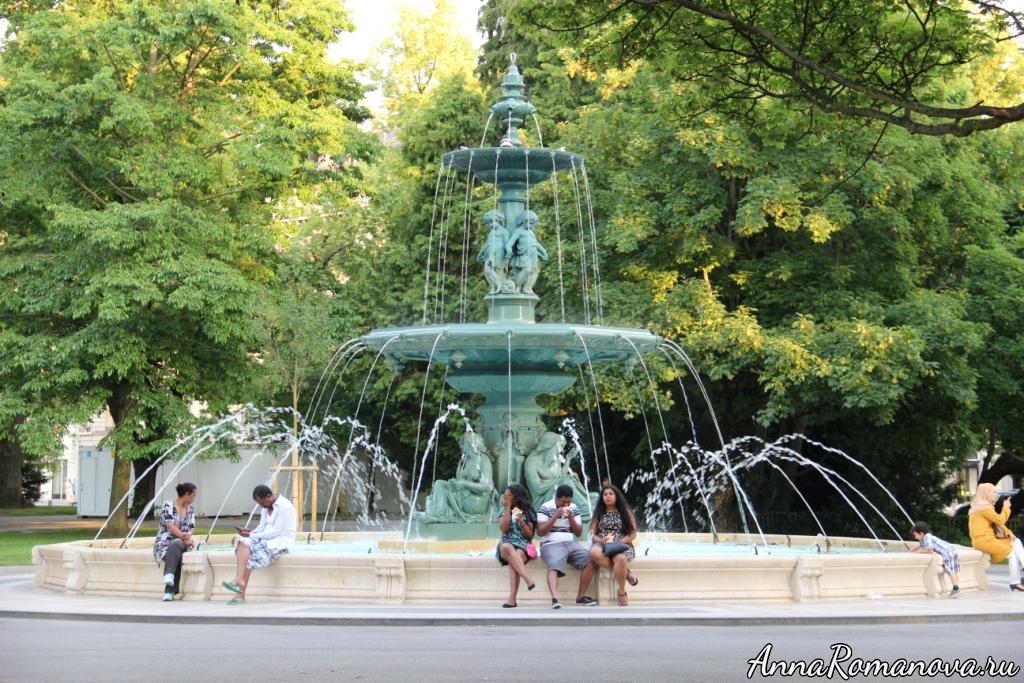 Фонтан в Женевском парке
