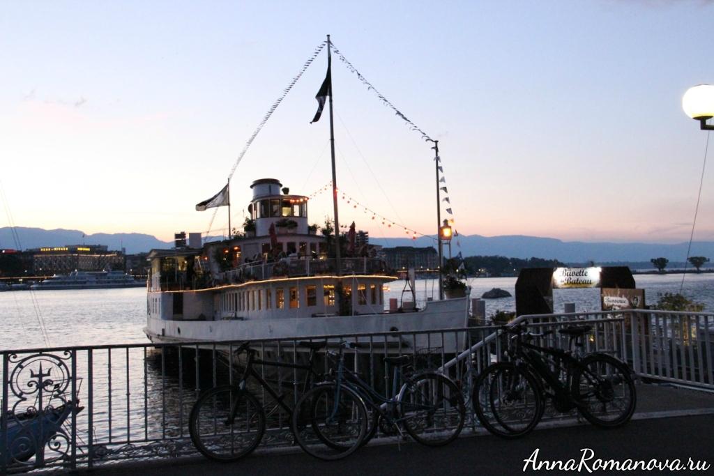 Корабль-ресторан в Женеве