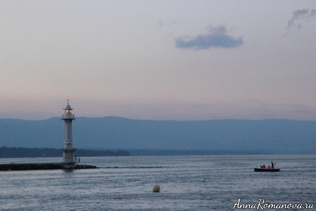 Маяк на Женевском озере