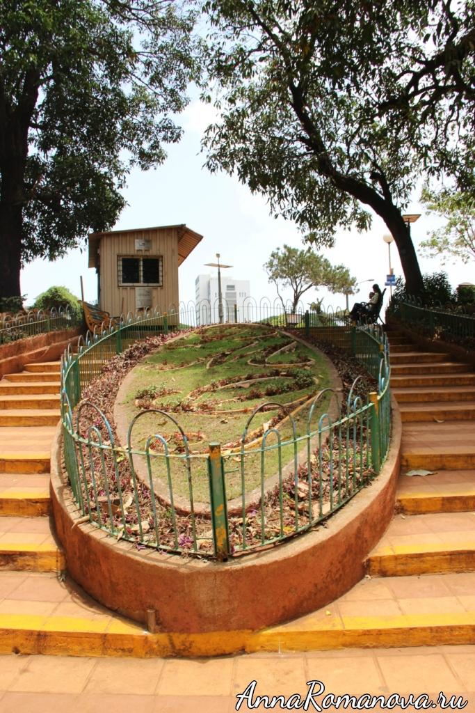 Мумбаи клумба