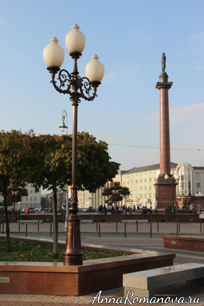 Колонна на площади Победы в Калининграде