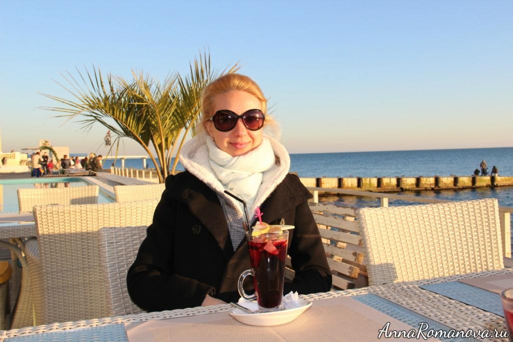 Анна Романова набережная в центральном Сочи