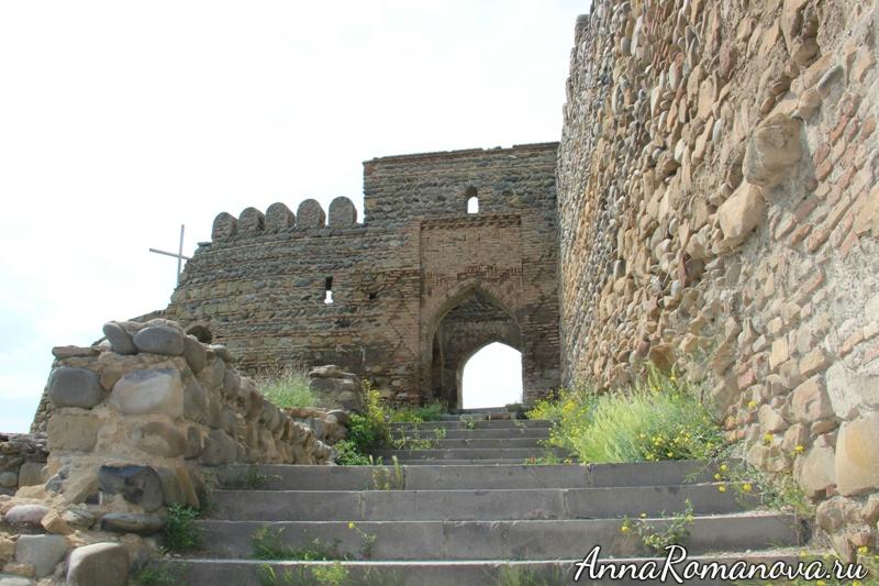 ворота крепости горисцихе
