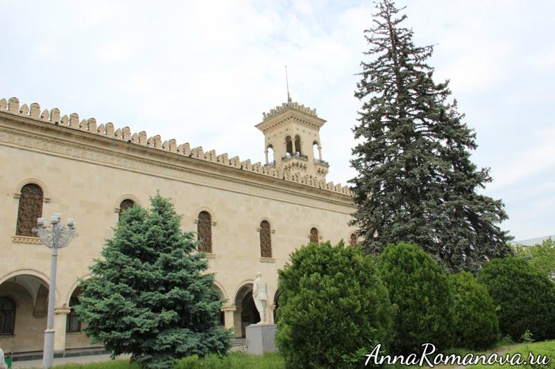 дом музей сталина в гори