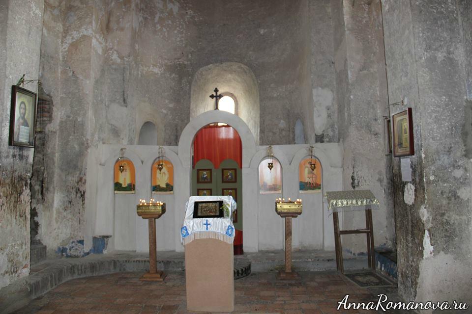 внутри церкви в Уплисцихе