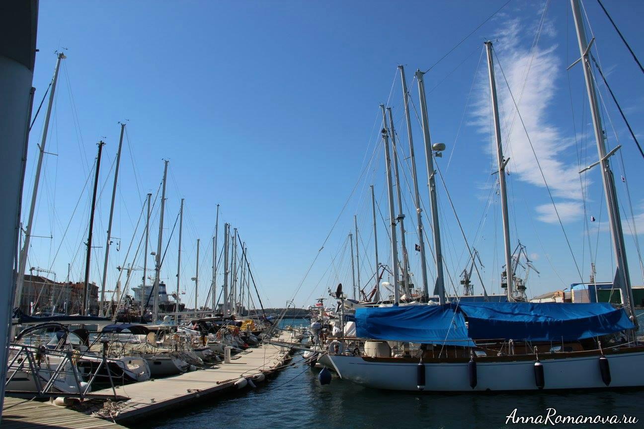 пула морской порт