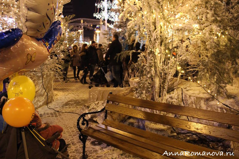 скамейка в снегу загреб